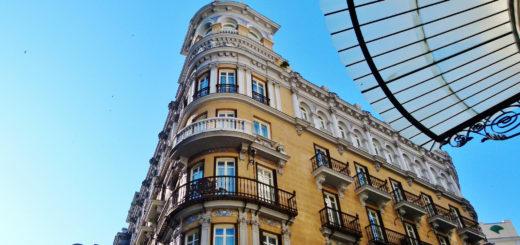 Edificio de Madrid dispuesto a empoderarse transversalmente para lograr la centralidad ciudadanista, June 28, 2015 | © Courtesy ofAntonio Marín Segovia.